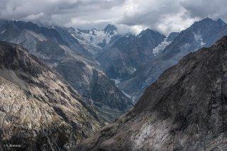 Haute vallée du Vénéon, au fond le glacier de la Pilatte