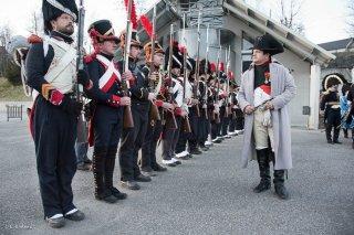 Napoléon et sa troupe à la Motte d'Aveillans (Isère). Préparatifs de la reconstitution du bicentenaire à la prairie de la rencontre à Laffrey. 6 mars 2015