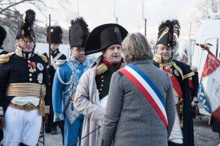 Napoléon rencontre les élus à la Salle en Beaumont (Isère). Reconstitution du bicentenaire de la prairie de la rencontre à Laffrey. 7 mars 2015