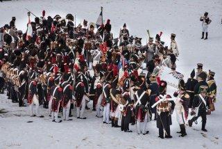 L'armée du roi se rallie à Napoléon. Reconstitution pour le bicentenaire à la prairie de la Rencontre à Laffrey (Isère). 7 mars 2015