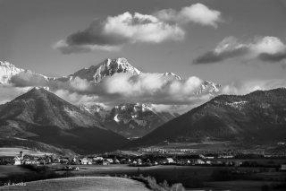 Le plateau du Trièves avec Monestier du Percy et le Grand Ferrand. Novembre 2015