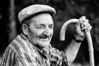 Agostino, berger et éleveur à Mens. Août 1998