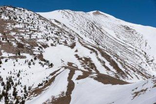 L'arête et le sommet du Jocou, vus depuis le col de Vente Cul