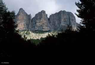 Les falaises de la barrière orientale du Vercors