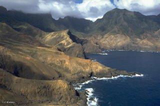La côte arride de l'île de Robinson Crusoé